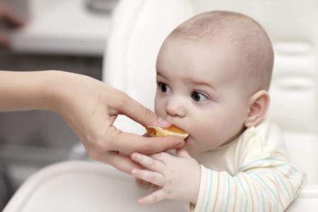La alimentación del bebé a partir de los 6 meses: complementando la lactancia