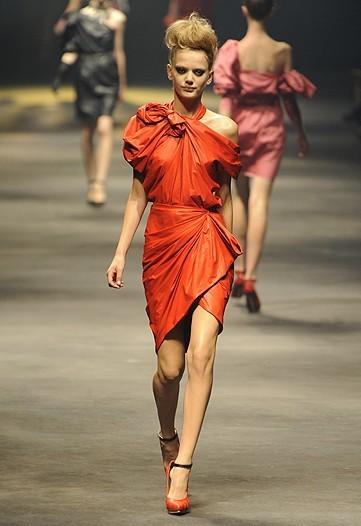 Foto de Lanvin, Primavera-Verano 2010 en la Semana de la Moda de París (12/15)