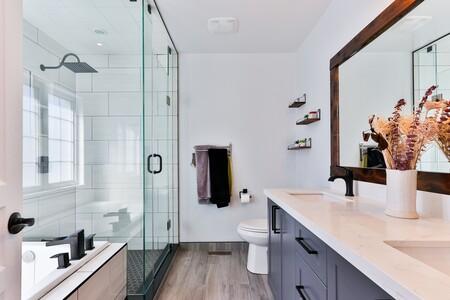 Renueva y decora tu baño con el outlet de Leroy Merlin: hasta un 40% de descuento en espejos, muebles, grifos y más