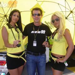 Foto 6 de 18 de la galería de-paseo-por-el-paddock-del-circuit en Motorpasion Moto