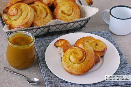 Panecillos enrollados rellenos de mermelada: receta de panadería para tunear al gusto