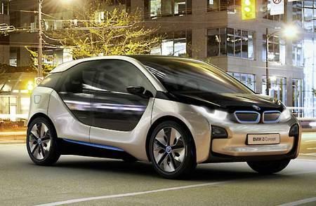BMW i3. Este eléctrico dispone de versión de autonomía extendida con un pequeño motor térmico