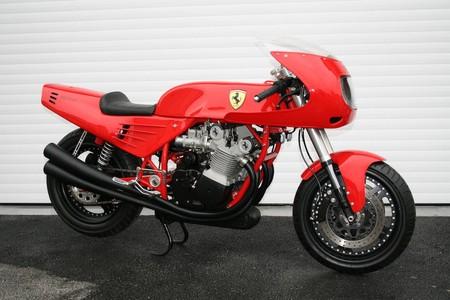 Moto Ferrari 10