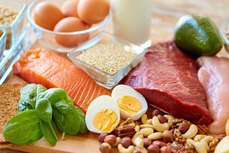 11 alimentos que son buenas fuentes de proteína y un montón de recetas para incluirlos en tu dieta