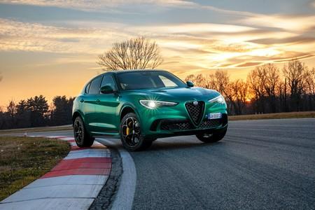 El Alfa Romeo Stelvio Quadrifoglio se renueva: el SUV más picante con 510 CV, nuevos colores y asistencias a la conducción