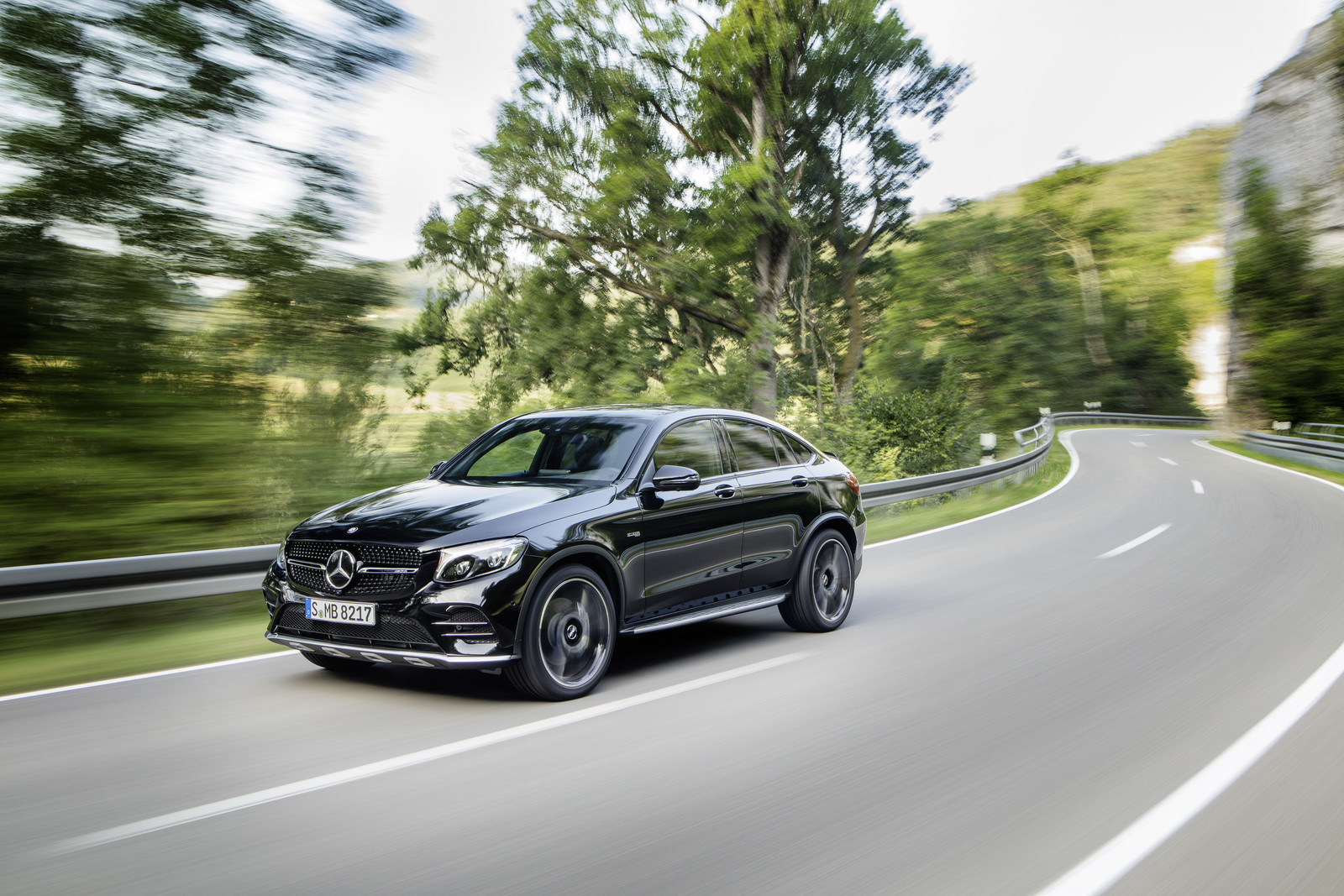 Foto de Mercedes-AMG GLC 43 4MATIC Coupé (3/24)