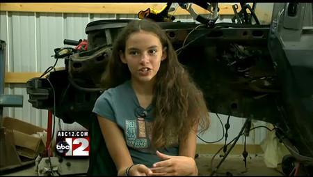 Una niña restaura un Pontiac Fiero del 86, que espera tener listo para su 16º cumpleaños