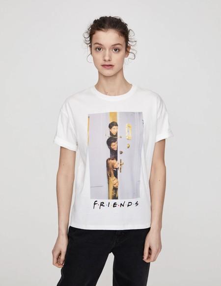 Pull Bear Camiseta Series Tv 01