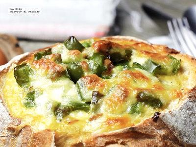 Pan relleno de huevos con pimiento. Receta en video