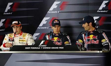 Los Red Bull y Alonso, muy descargados de gasolina