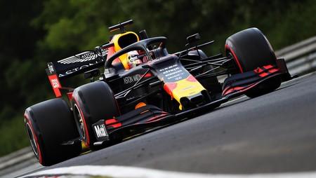 Max Verstappen consigue su primera pole position en la Fórmula 1 y empieza a asustar a Mercedes
