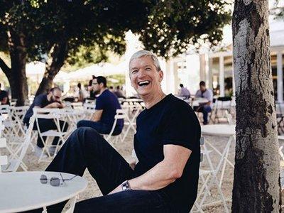 Nuevo récord benéfico, 688.999 dólares por comer con Tim Cook y visitar el Apple Park
