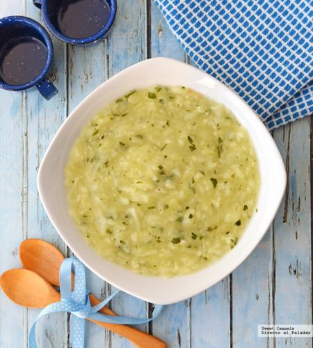 Sopa de papa con 5 ingredientes. Receta