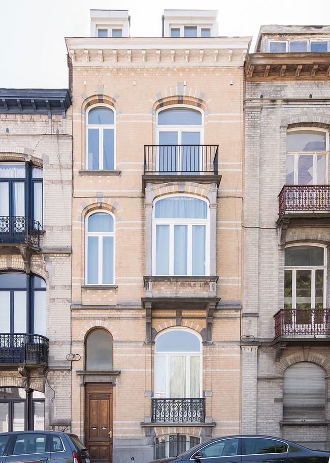 Mamout Auxau Renovation Apartment Brussels Townhouse Belgium 2