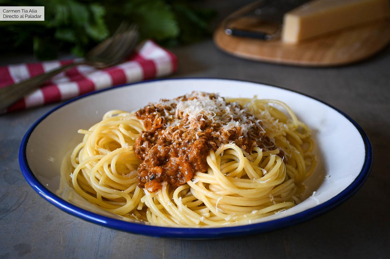 Las claves de una buena salsa boloñesa (y un secreto italiano para no olvidar)