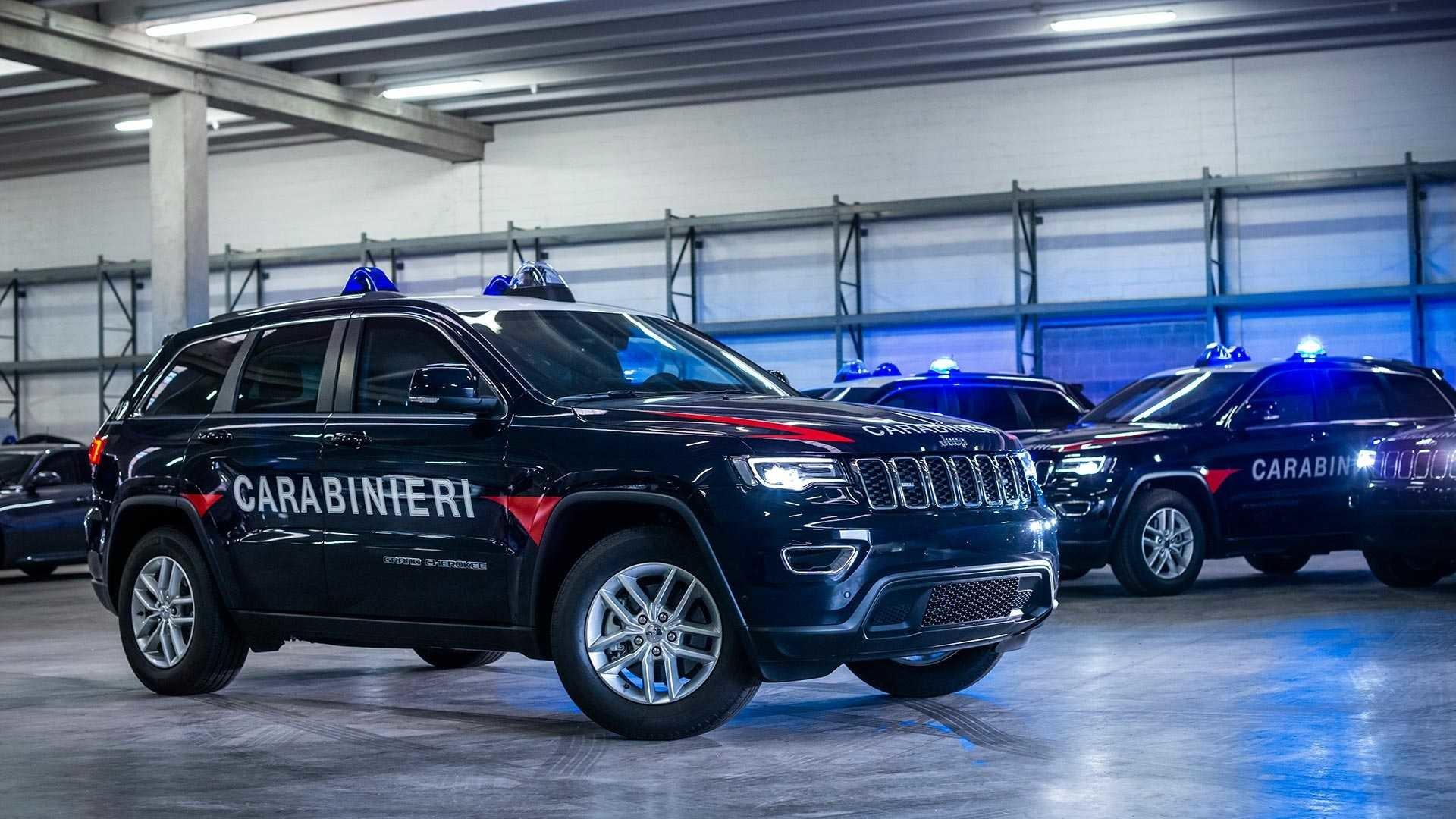 Foto de Jeep Grand Cherokee Carabinieri (11/15)