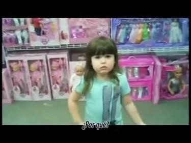 ¿Por qué las niñas tienen que comprar todo rosa? Una niña de cuatro años reflexiona sobre princesas y superhéroes