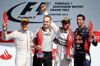 Lewis Hamilton vence en Silverstone y comprime la clasificación
