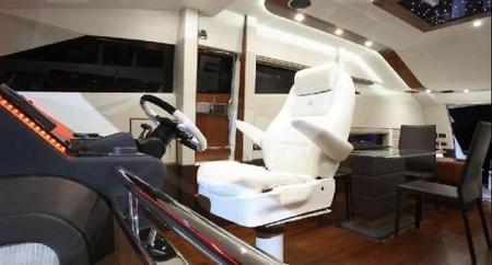Galeon 640 fly un yate de 20 metros para que seas t el for Interior yates de lujo