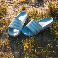 Chanclas de pala deportivas de Levi's, Adidas, Reebok y más para llevar más allá de la playa o piscina