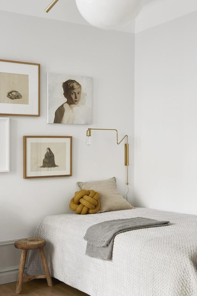 Es Con Impresionantes Luces En Un Apartamento Monocromo Disenado Por Josefin Haagmed43fbcaacb2074ec59e88f11bc1cfd06c
