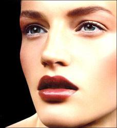 Armani lanza una nueva línea de cosméticos