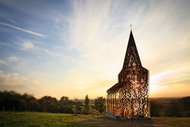 Una capilla transparente, construida en acero
