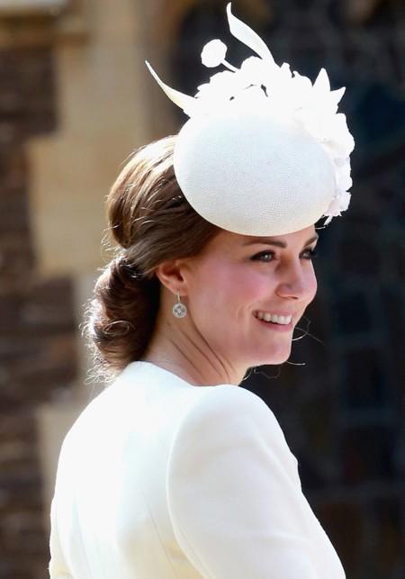 Kate Middleton apuesta una vez más por McQueen en el bautizo de la princesa Charlotte
