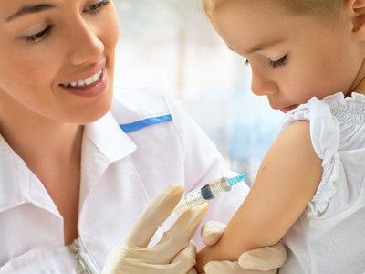 Las campañas antivacunas propician el mayor brote de sarampión en décadas en Rumanía