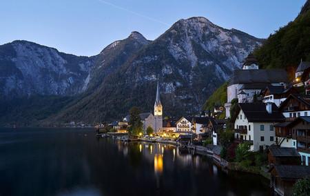 Un encantador pueblecito de Austria se parecía al de Frozen. Y ahora está ahogado en turistas