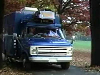 Mira los comienzos poco glamurosos de la conducción autónoma con este Chevrolet Van
