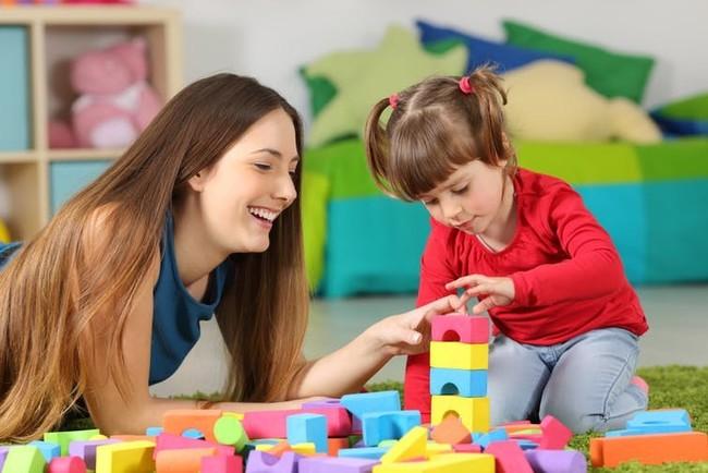 17 juguetes para regalar a los niños recomendados por edad, según Montessori