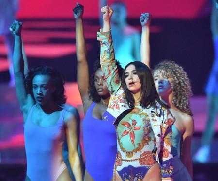 Siete temazos con los que esperamos que Dua Lipa llene de espíritu 'girl power' la final de la Champions