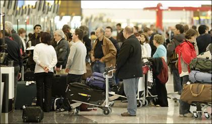 400 voluntarios para devolver 15.000 maletas