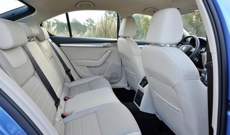 Škoda Octavia 2013 interior beige