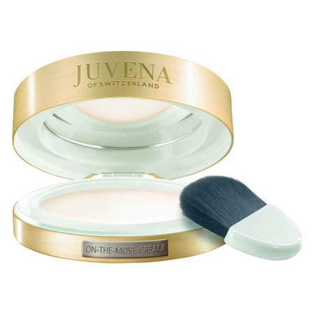 Un arma de belleza con pincel en tu bolso: Juvena On-the-move Cream. Alta cosmética