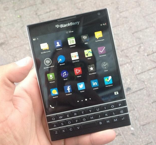 Foto de BlackBerry Passport (1/9)