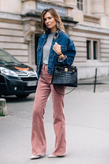 Distintas maneras de llevar un look con pana y molarlo todo