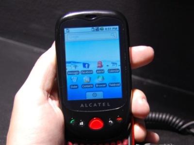 Alcatel tiene un móvil con Android, lo probamos