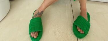 Clonados y pillados: estas chanclas de toalla de Zara se parecen (mucho) a las de Bottega Veneta