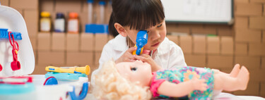 Jugando a ser médico o paciente: nueve beneficios de este clásico juego infantil