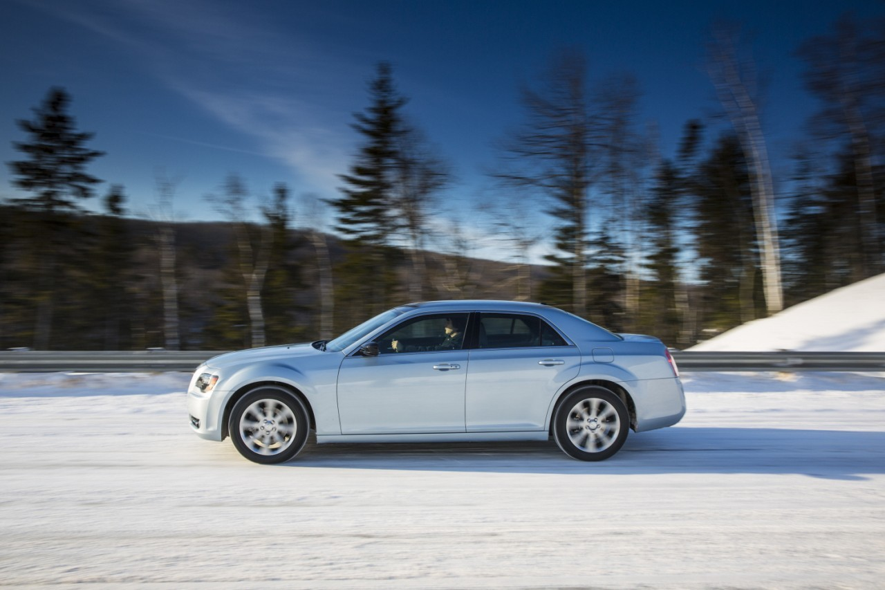 Foto de 2013 Chrysler 300 Glacier (23/27)