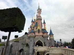 Disney prohíbe los palo selfie en sus parques