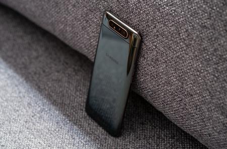 Samsung Galaxy A80 Trasera 05