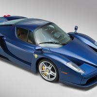 Este Ferrari Enzo es tan azul, bello y exclusivo que ni siquiera tiene precio (de momento)