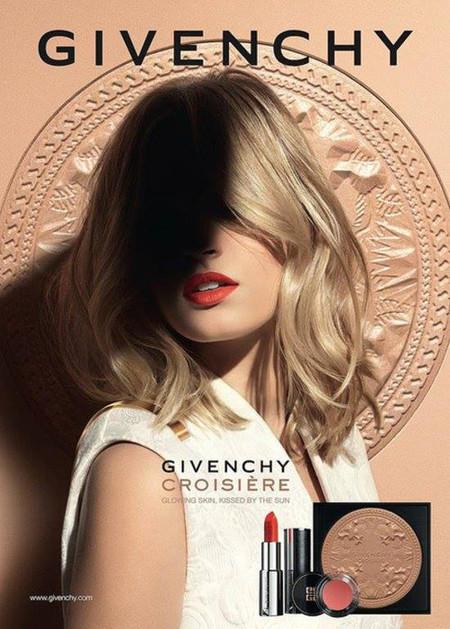 Givenchy presenta su nueva colección Croisière primavera - verano 2014 con la modelo Paulina Heiler