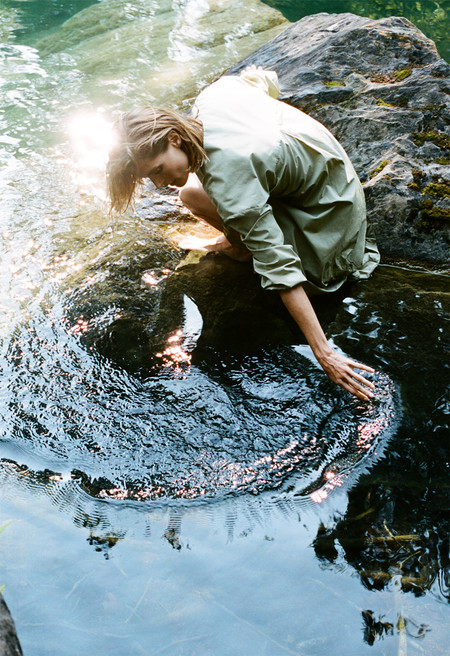 Zara sigue con su mentalidad sostenible y colabora con una ONG para preservar los recursos de agua dulce en su última colección