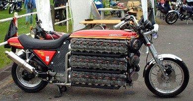 Moto de 48 cilindros