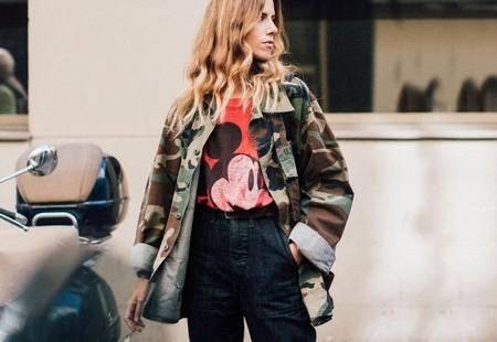 El camuflaje irrumpe en el street style y nos pone firmes con estas 11 propuestas de tendencia