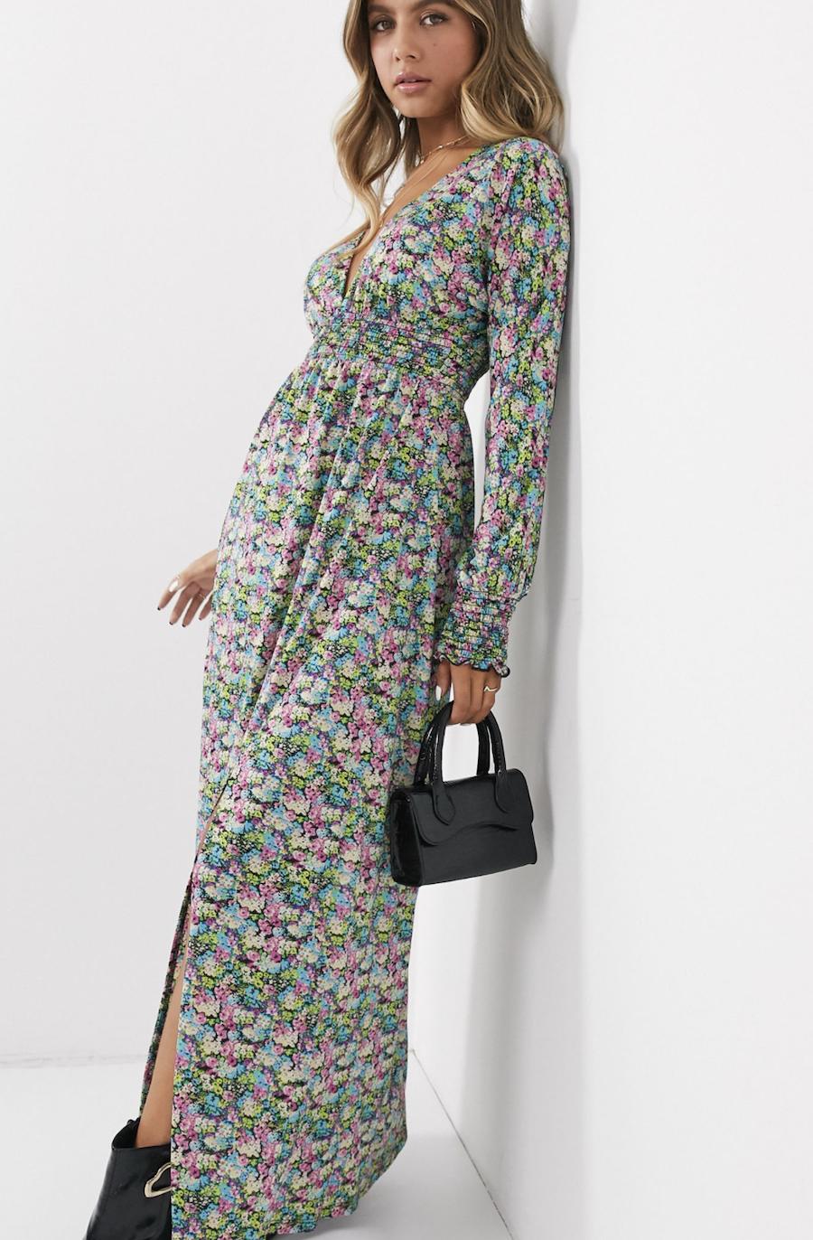 Vestido largo con cinturilla fruncida y estampado de flores de ASOS DESIGN